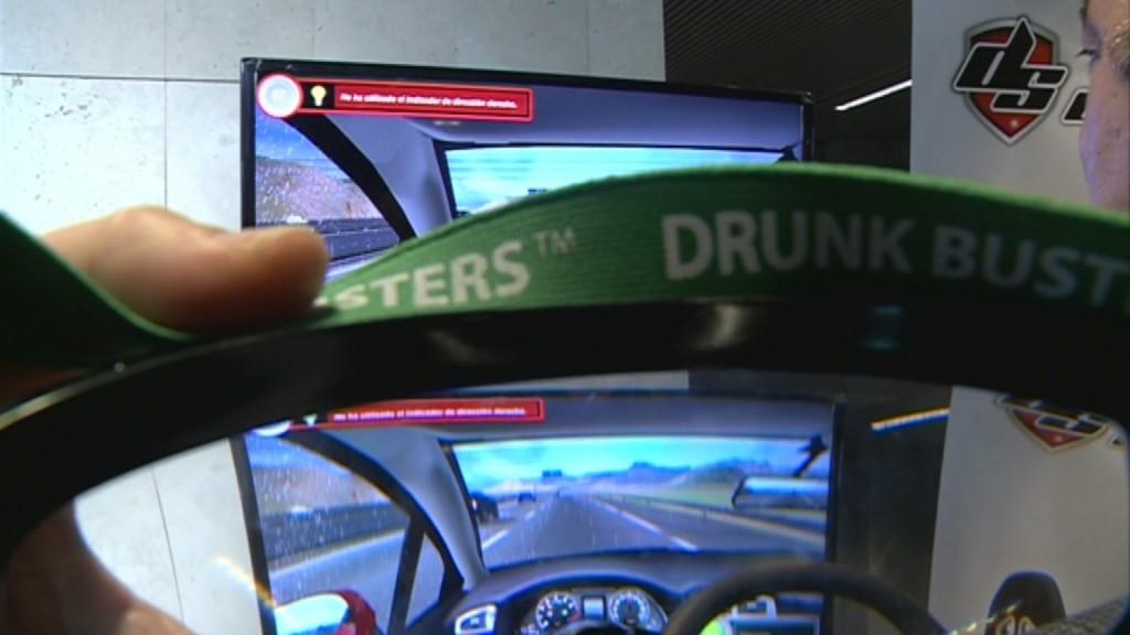 Simulador de coche y gafas de simulación de alcohol - FESVIAL